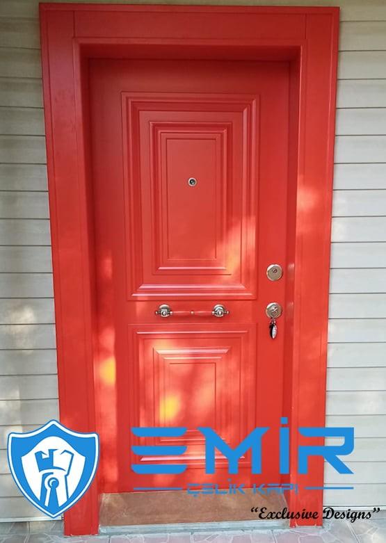 kırmızı çelik kapı em